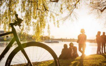 Konstanz_Radfahrer_am_Bodensee