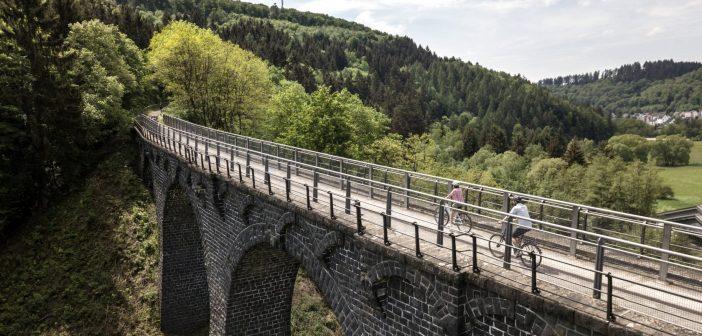 Beleef het voorjaar in de Eifel met deze gratis fietsroutes