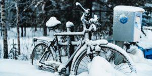 Fietsen door sneeuw