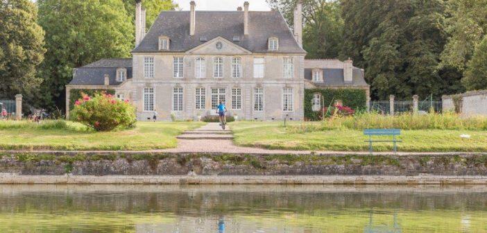 Ontdek Franse fietsroutes vanuit een kasteelcamping