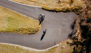 Afdalen op de fiets