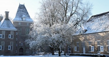 IMG_5162 kasteel Nijenhuis in de sneeuw 1