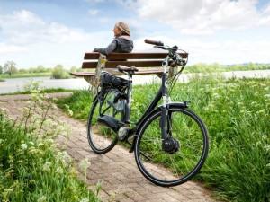 Massale overstap naar de (elektrische) fiets kan miljoenen opleveren